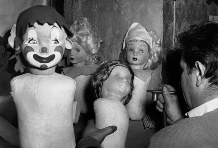 10-Vintage-Photos-of-Creepy-Dolls-that-will-give-you-Nightmares-5